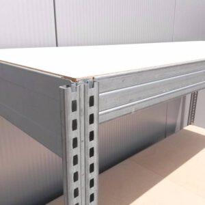 Werkbank 100cm hoog, 175cm breed, 60cm diep met 2 bladen