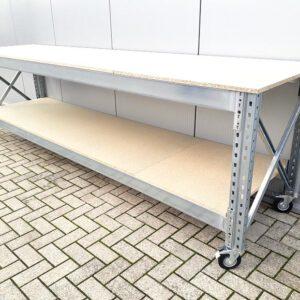 Werkbank 100cm hoog, 290cm breed, 80cm diep 1 laag met wielen